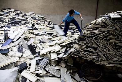 Υπογραφή ΚΥΑ για την εναλλακτική Διαχείριση των Αποβλήτων Ηλεκτρικού & Ηλεκτρονικού Εξοπλισμού