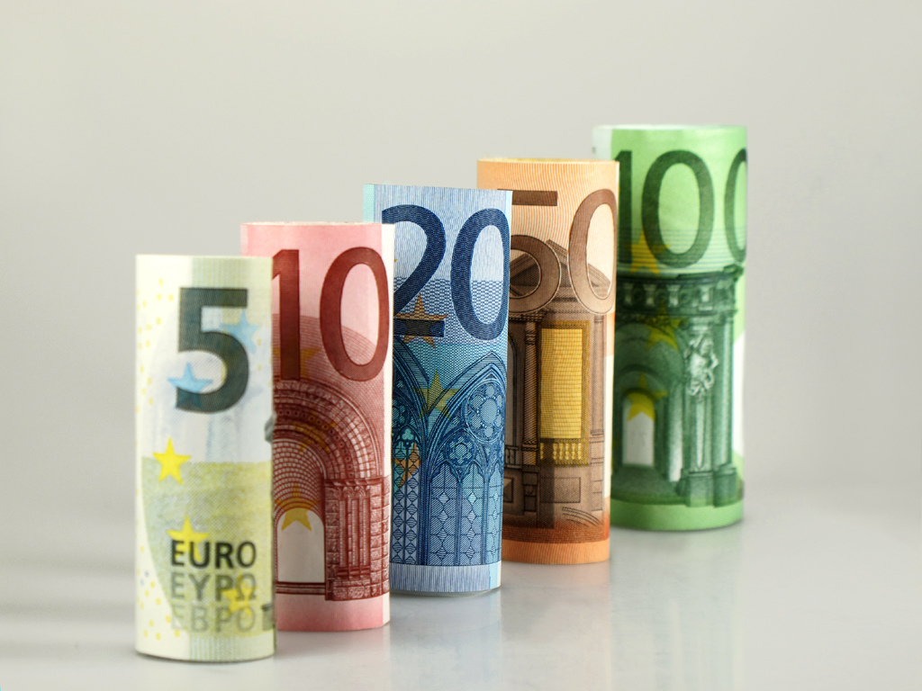 Στο 1 δισ. ευρώ θα ανέλθει το ΠΔΕ για το 2017 στις Περιφέρειες
