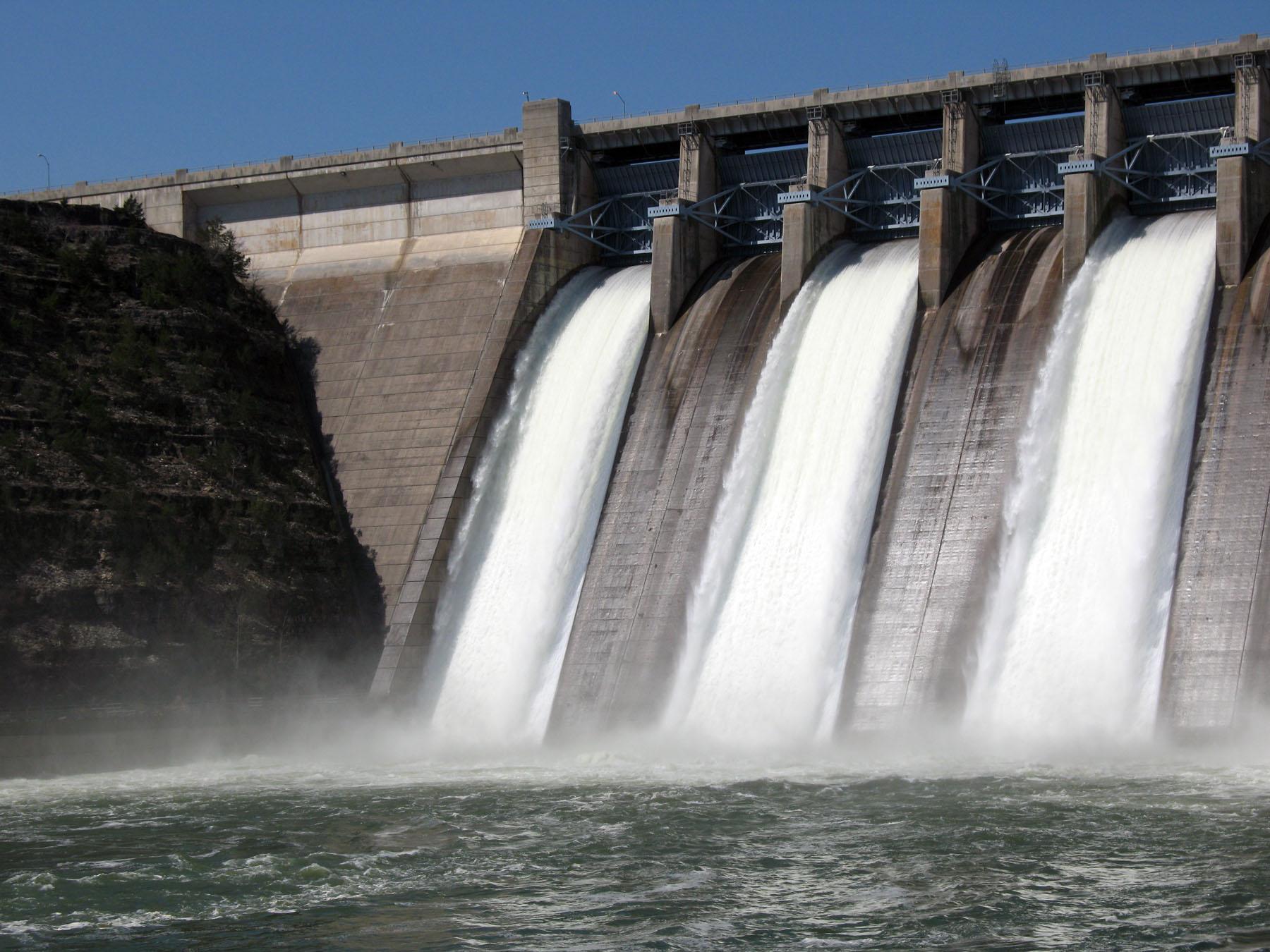 Τα χαμηλά επίπεδα των νερών ενδέχεται να οδηγήσουν σε νέα ενεργειακή κρίση το καλοκαίρι