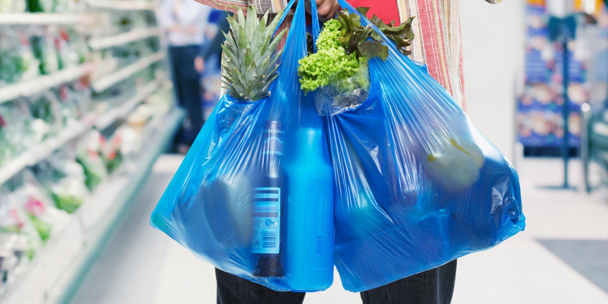 Σε δύο δόσεις η καταβολή του τέλους για τη πλαστική σακούλα
