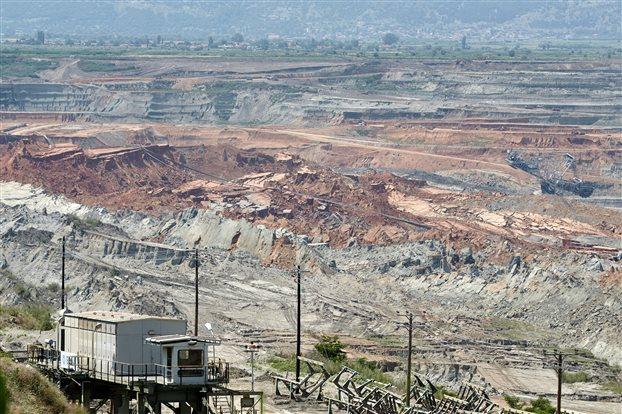 Με φόντο την κατολίσθηση στο Αμύνταιο, η ΔΕΗ πωλεί μονάδες και ορυχεία