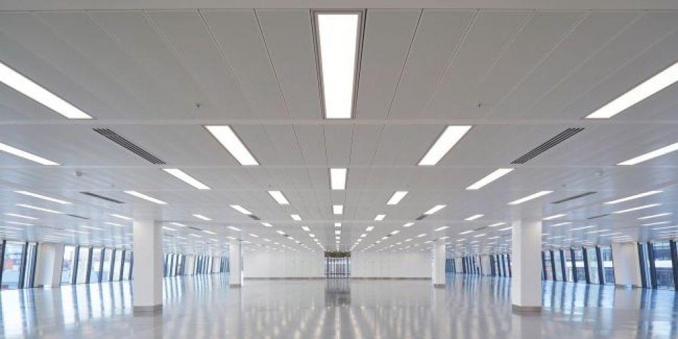 """Χωρίς προδιαγραφές στο φωτισμό δημόσιων κτιρίων """"Βαβέλ"""" η εξοικονόμηση ενέργειας"""