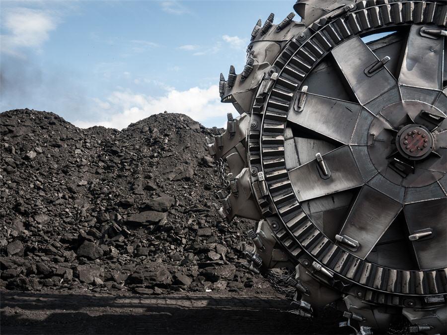 """Μεταλιγντική εποχή: Τα 2/3 της συνολικής λιγνιτικής ισχύος θα πρέπει να """"σβήσουν"""" ως το 2025"""