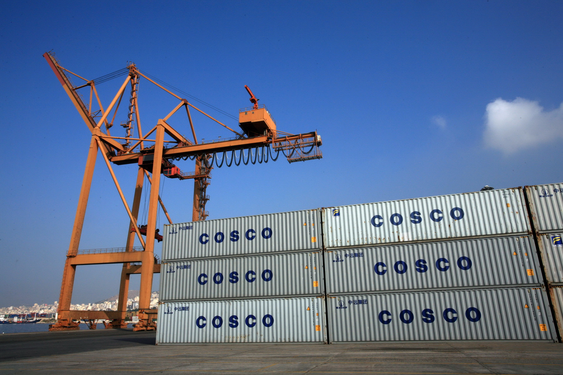 FT: Γιατί οι Κινέζοι Ξοδεύουν 20 Δις Δολάρια σε Αγορές Λιμανιών